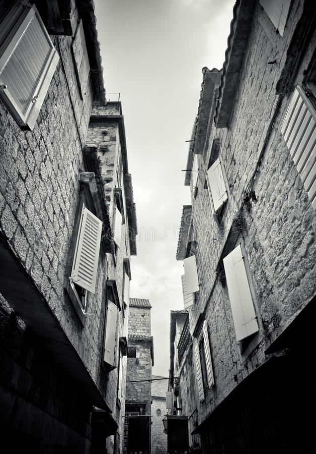 缩小的街道trogir 免版税图库摄影