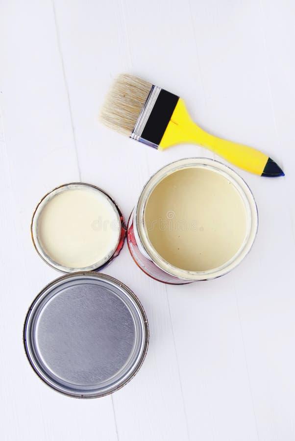 罐头油漆 免版税图库摄影