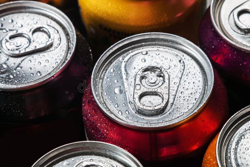 罐头甜饮料和啤酒 免版税库存图片