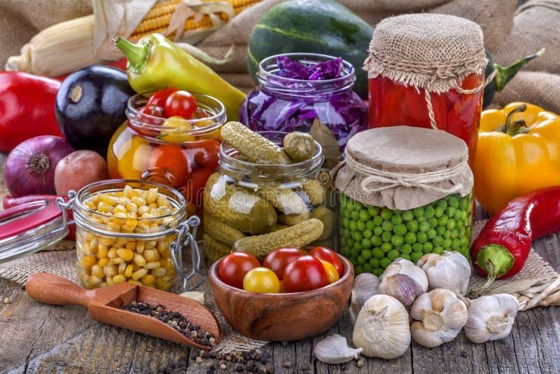 罐装蔬菜 库存图片
