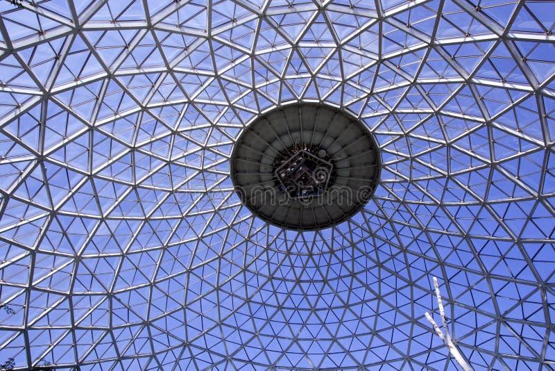 网格球顶温室 免版税库存图片