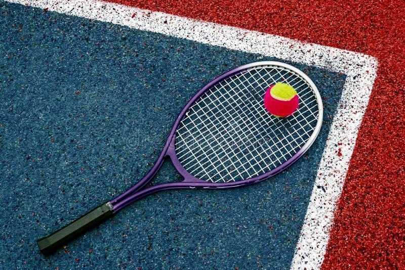 网球&球拍1 免版税库存图片