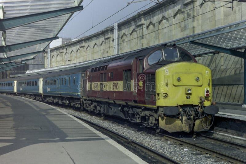 罕见EWS类37 405柴油火车卡来尔向利兹Arrriva训练北 免版税库存图片