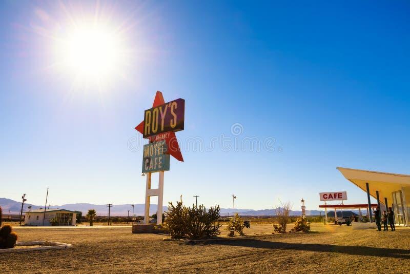 罗伊` s汽车旅馆和咖啡馆在历史的路线66 免版税库存照片