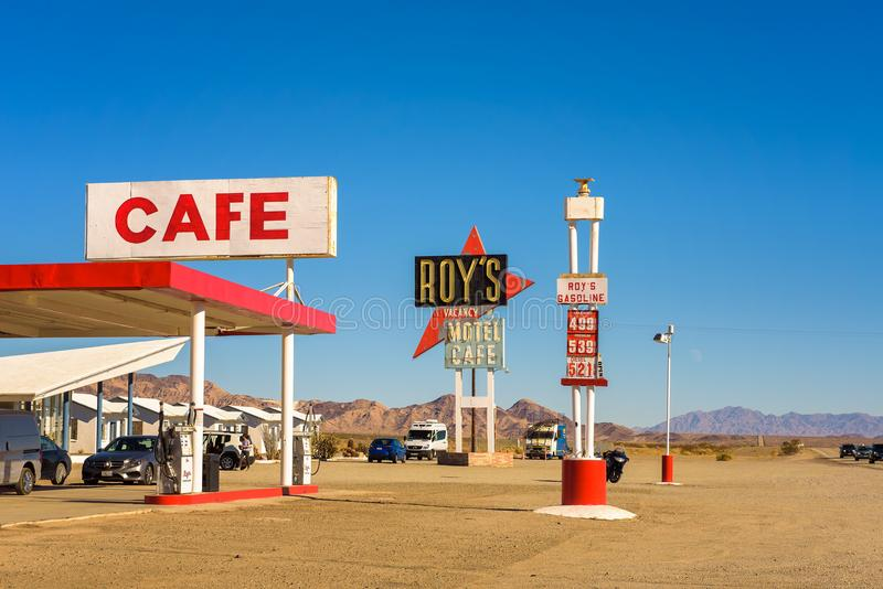 罗伊` s汽车旅馆和咖啡馆在历史的路线66 库存图片