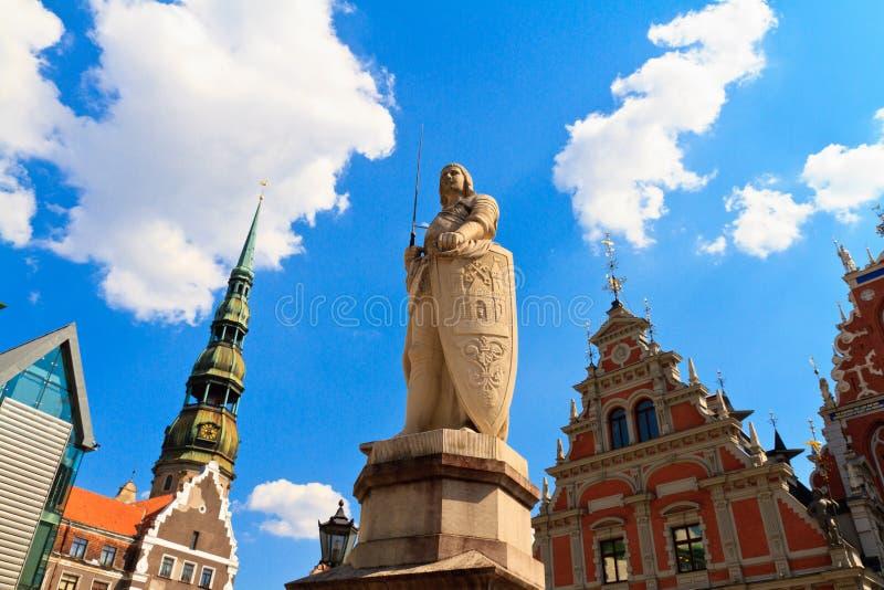 罗兰特雕塑在老市里加 免版税库存照片