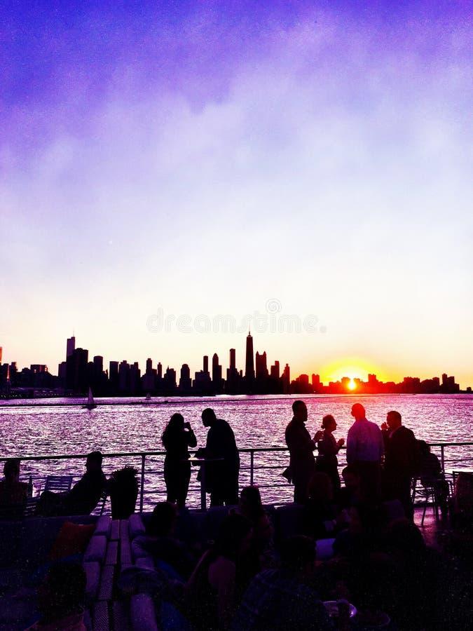 紫罗兰色夏天划船 免版税库存照片