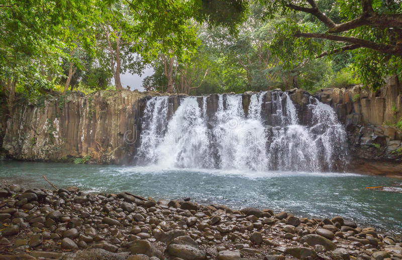 罗切斯特在Souillac毛里求斯落瀑布 免版税库存图片