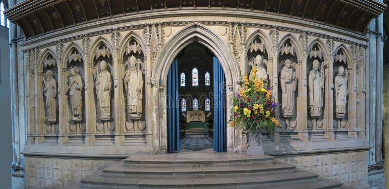 罗切斯特大教堂内部-哥特式教会在镇罗切斯特里 库存图片