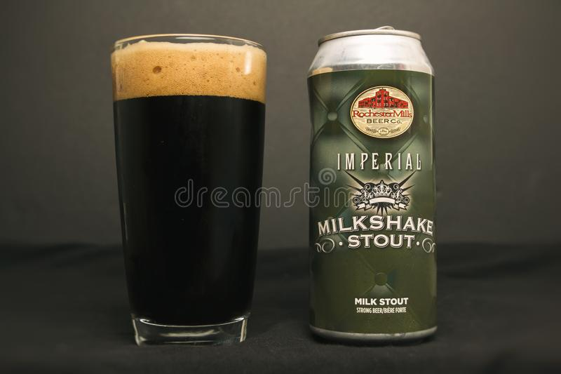 罗切斯特磨房啤酒厂皇家奶昔烈性黑啤酒 库存照片