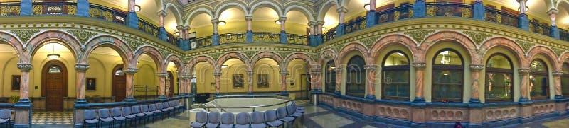 罗切斯特香港大会堂的心房的全景视图 免版税库存照片