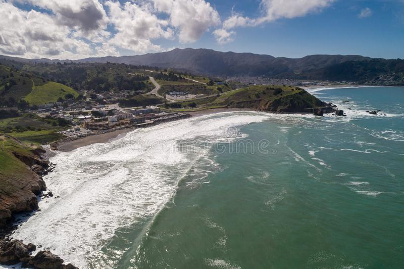 罗卡威海滩在加利福尼亚 海洋和波浪在背景中 库存照片
