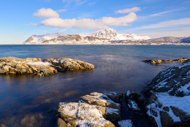 罗弗敦群岛群岛风景在冬时的挪威,Myrland 图库摄影