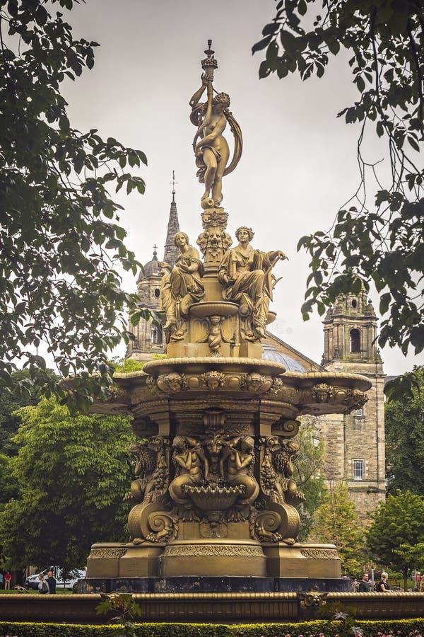 罗斯喷泉,黑暗和喜怒无常 免版税库存图片