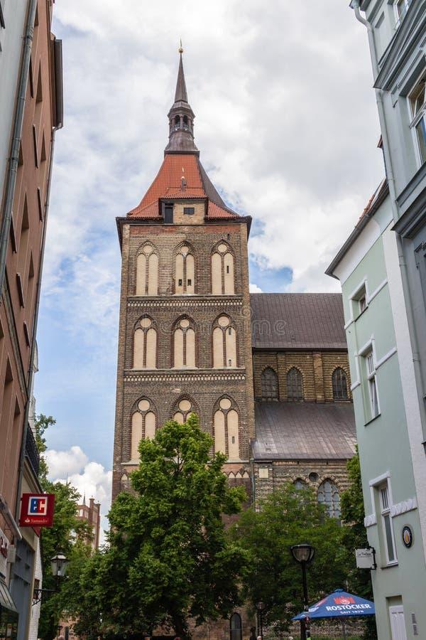 罗斯托克,德国-大约2016年:圣玛丽可以被找到在老镇罗斯托克在德国的` s教会 免版税库存照片