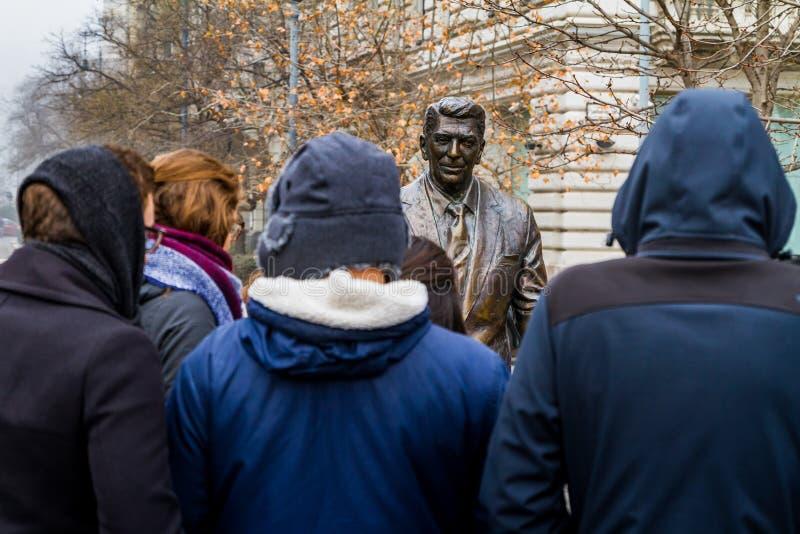 罗纳德・里根雕象在布达佩斯 免版税库存图片