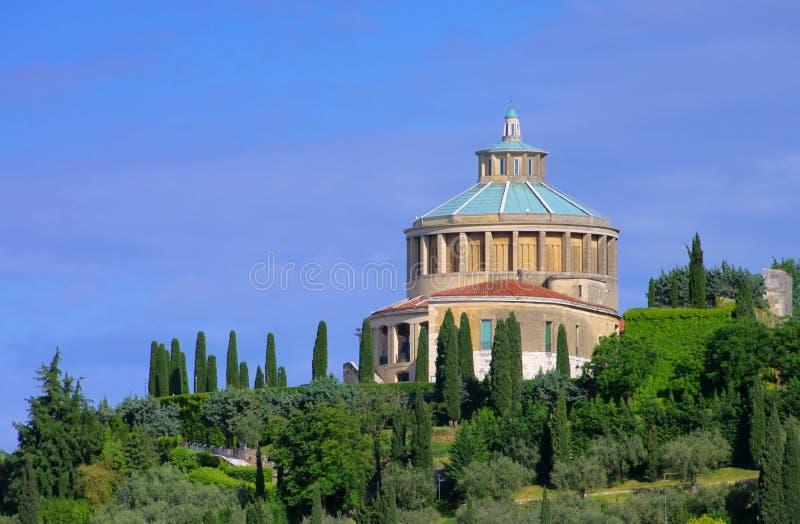维罗纳Santuario Della玛丹娜二卢尔德 库存照片