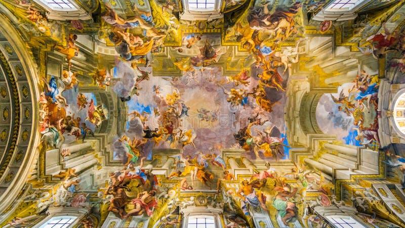 罗耀拉圣伊格纳罗教会的天花板在罗马,意大利 免版税库存照片