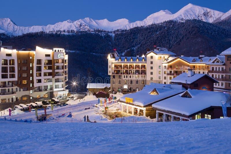 罗莎Khutor滑雪胜地的奥运村 免版税图库摄影