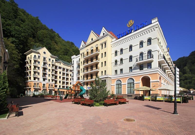 罗莎Khutor高山手段的新的旅馆。 库存图片
