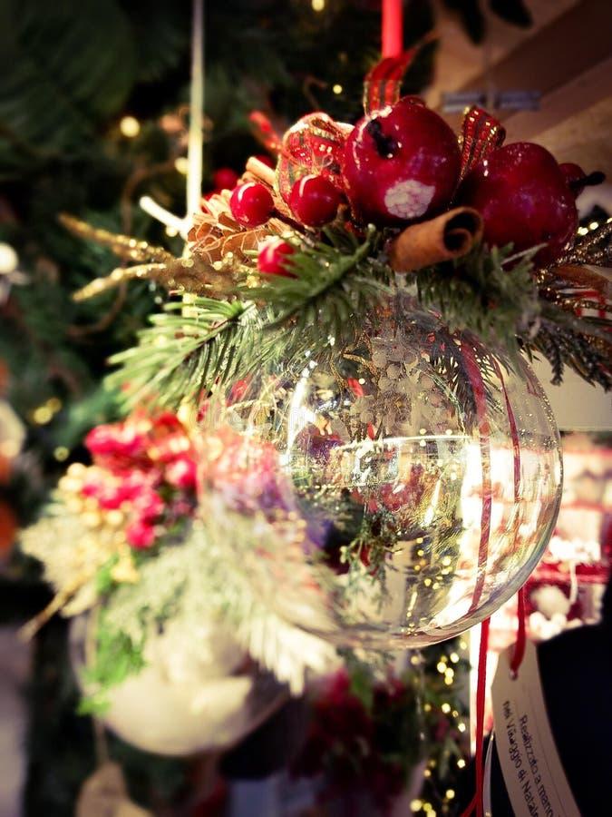 罗韦雷托-意大利- 2016年12月18日-圣诞节市场在罗韦雷托 库存图片