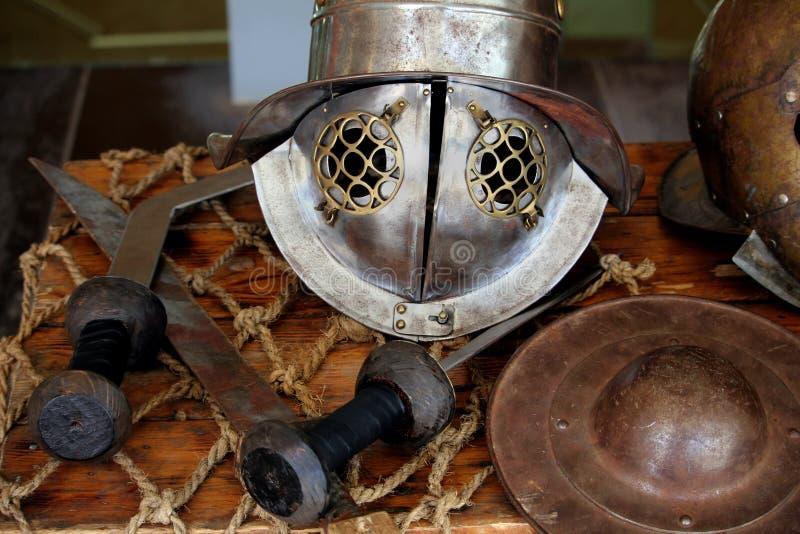 罗马争论者盔甲,如佩带由背带或Murmillo争论者 库存照片