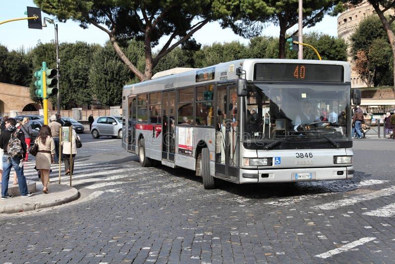 罗马公共汽车 免版税库存图片