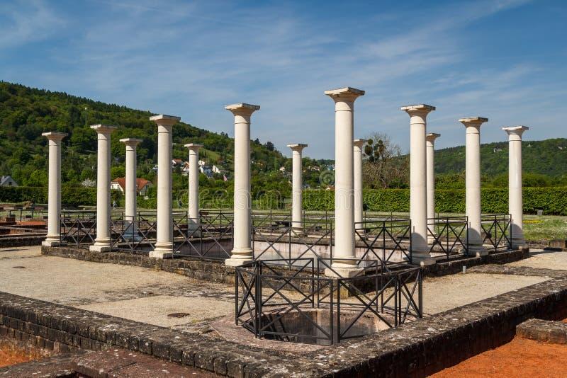 罗马别墅的废墟在埃希特纳赫附近的 库存照片