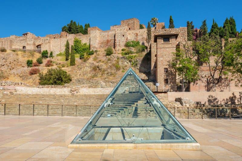 罗马剧院和Alcazaba堡垒 r 免版税库存图片