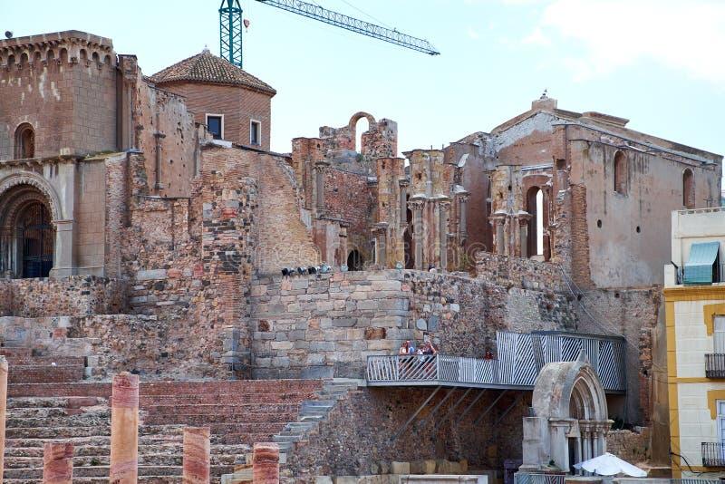 罗马圆形剧场和废墟在卡塔赫钠市,穆尔西亚,西班牙的区域 库存图片