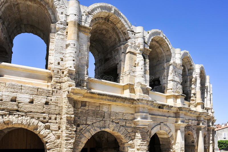 罗马圆形露天剧场在阿尔勒,法国 图库摄影