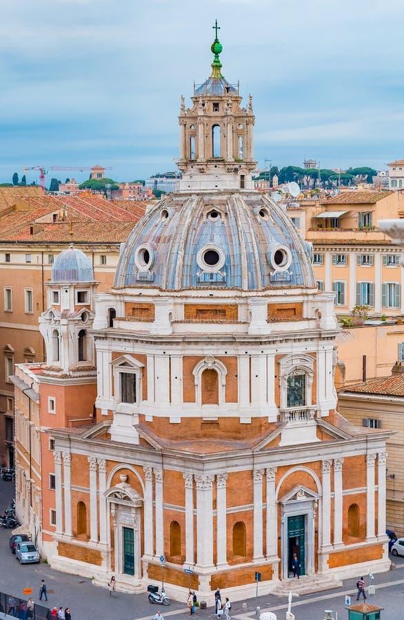 罗马圣玛丽亚二洛雷托省教会地平线和圆顶  库存图片
