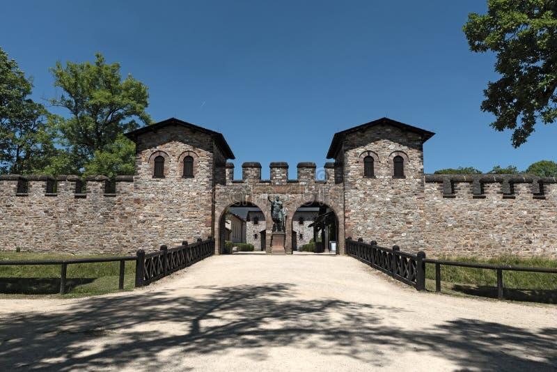 罗马堡垒Saalburg的主闸在法兰克福,德国附近的 免版税库存照片