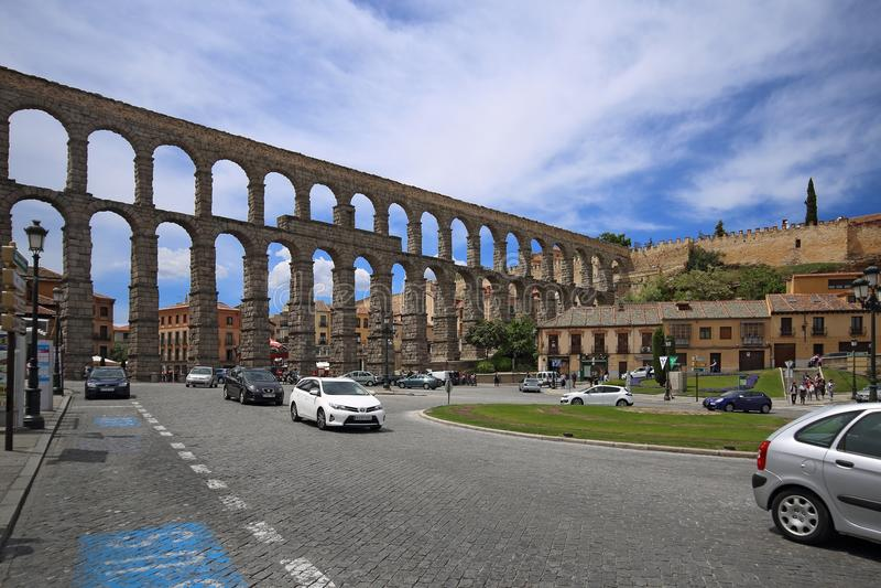 罗马塞哥维亚输水道,其中一最保存良好的高的罗马渡槽和是Seg的标志 库存照片