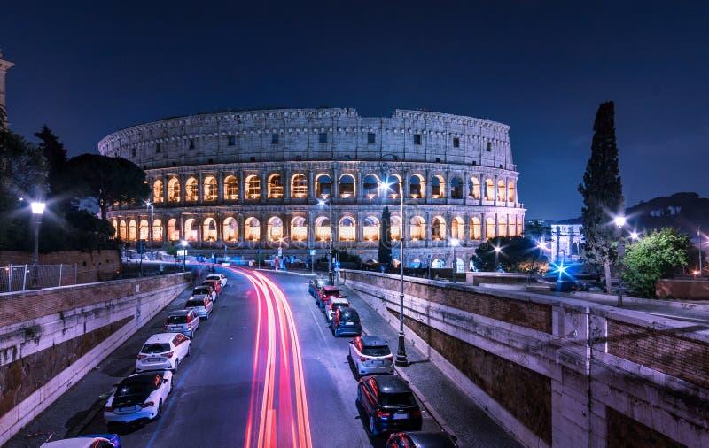 罗马大剧场夜风景都市风景 都市风景罗马斗兽场 免版税库存图片