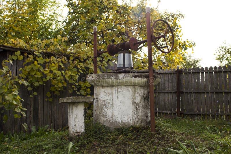 罗马尼亚具体水井 免版税库存照片