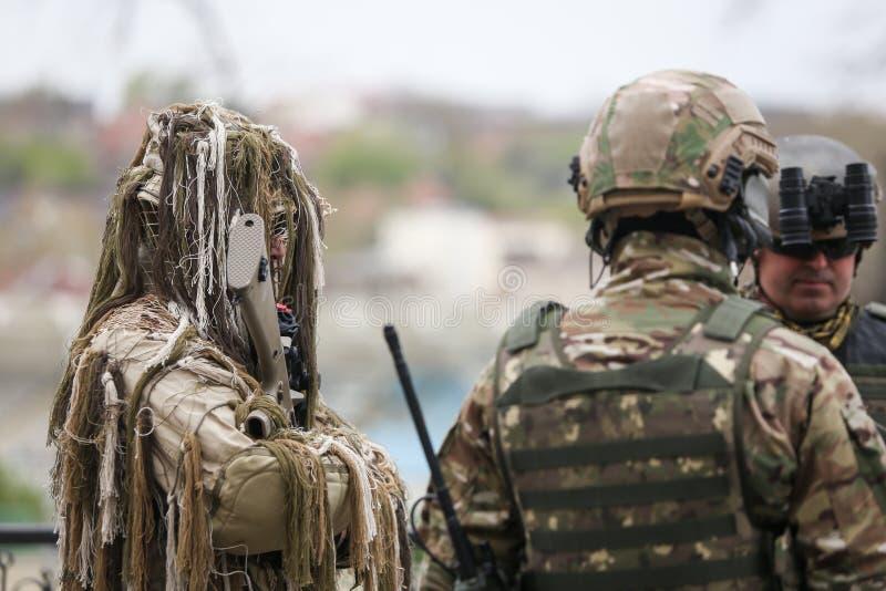 罗马尼亚特种部队士兵参与在军事仪式 库存照片
