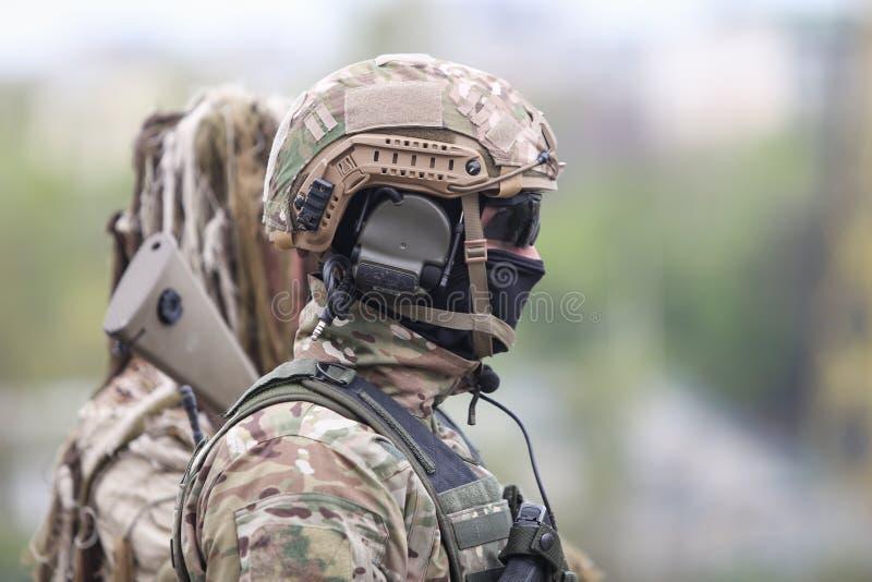罗马尼亚特种部队士兵参与在军事仪式 库存图片