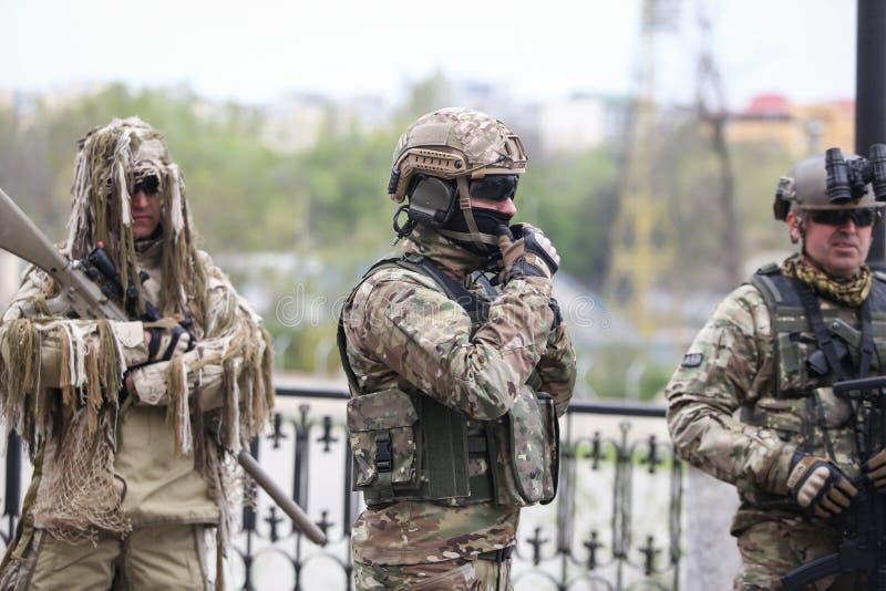 罗马尼亚特种部队士兵参与在军事仪式 免版税库存图片