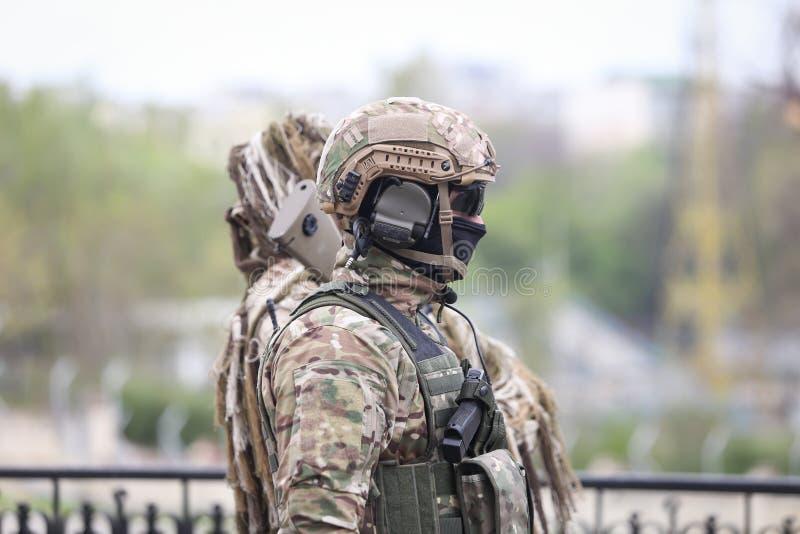 罗马尼亚特种部队士兵参与在军事仪式 图库摄影