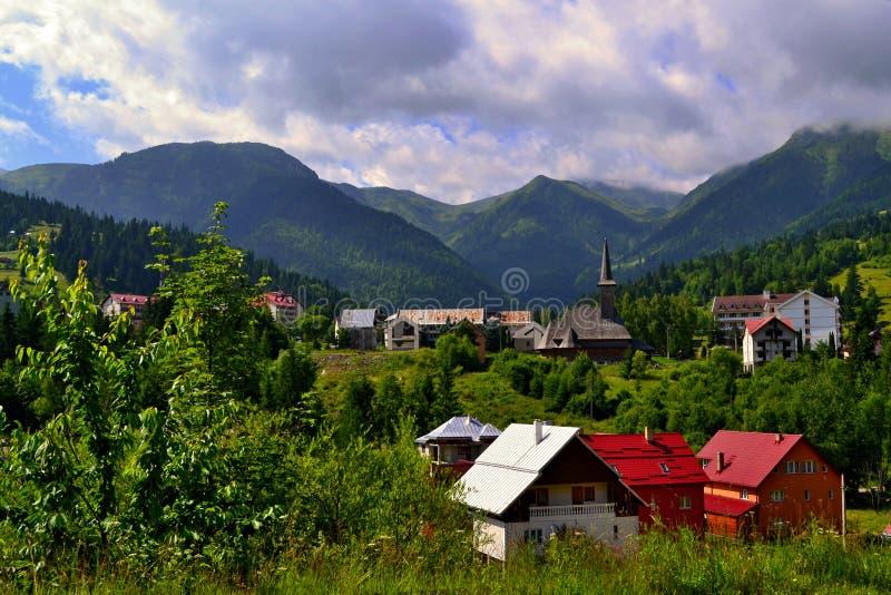 罗马尼亚-山的村庄 库存图片