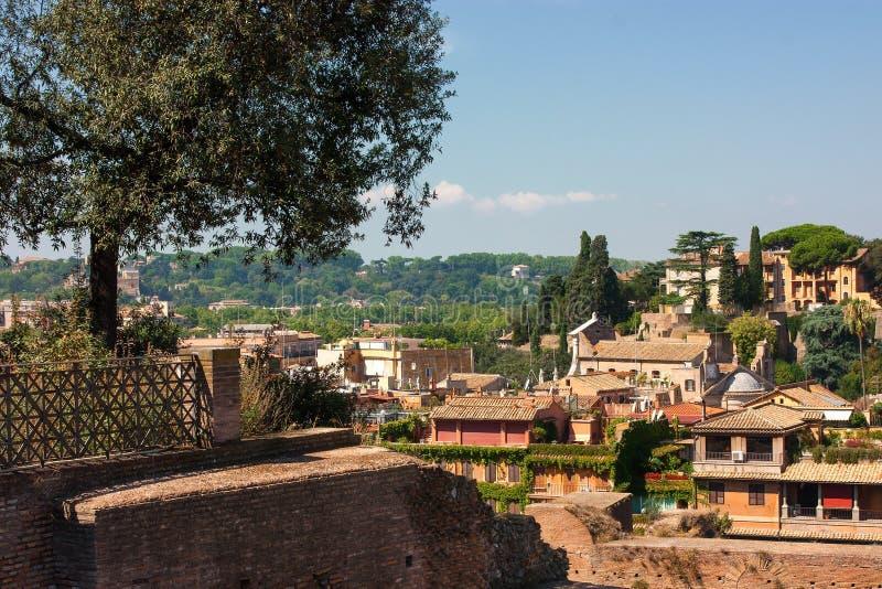 罗马广场和历史的房子看法  库存照片