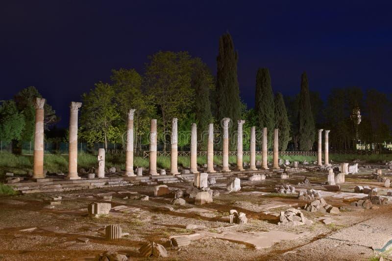 罗马广场废墟在阿奎莱亚 库存照片