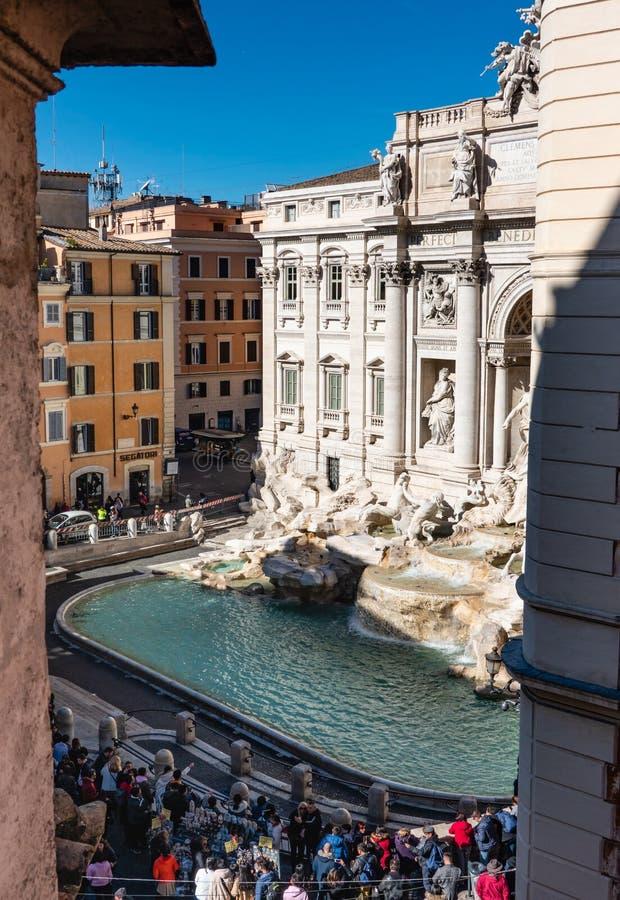 罗马意大利:Trevi喷泉的鸟瞰图,芳塔娜di Trevi,著名观光的罗马 图库摄影