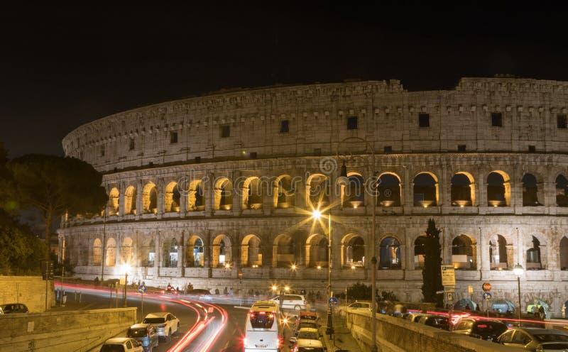 罗马斗兽场在罗马在夜之前 库存照片
