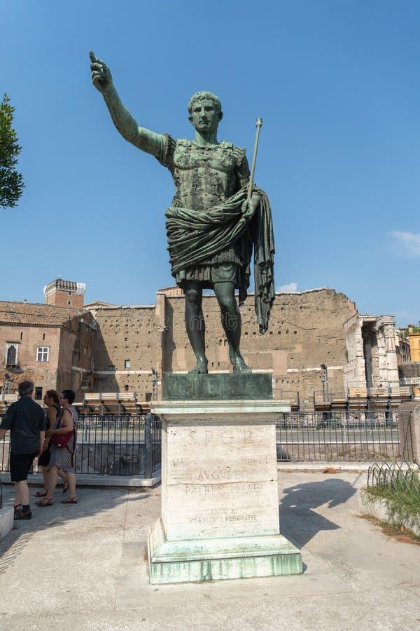 罗马皇帝奥古斯都凯撒雕象 库存照片