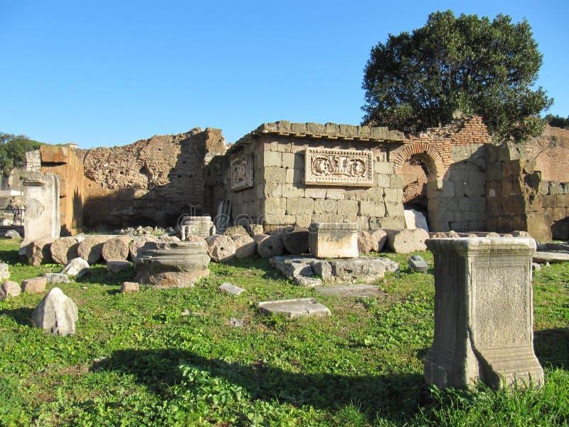 罗马老的废墟  免版税图库摄影