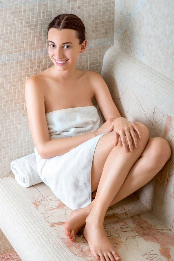罗马蒸汽浴的妇女 库存图片
