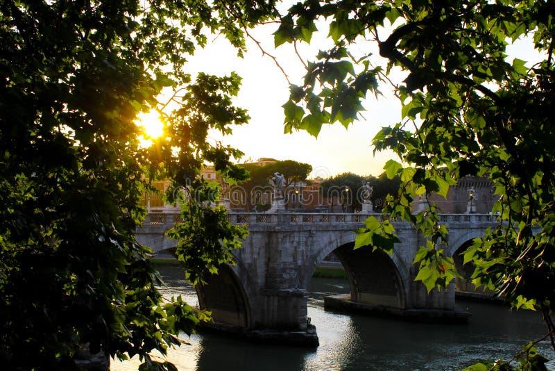 罗马,城堡圣徒天使日落 免版税库存照片