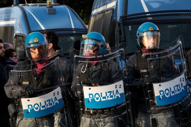 罗马,意大利- 2017年3月23日:没有欧元抗议示范 免版税库存图片